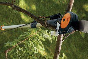 Fiskars Chain Drive Extendable Pole Saw